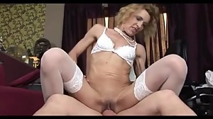 Hot granny gets an anal creampie