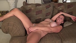 Big boobs mature mom sex video