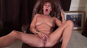 Mature lady Brook playing with her..