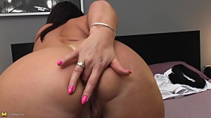 Mature big ass mom with hungry ass and..