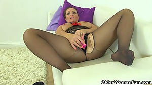 British milf Samantha can't stop..