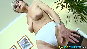 EuropeMaturE Slim Granny Ivana Solo..