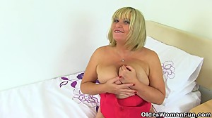 British gilf Alisha Rydes makes her..