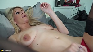 Sexy blue eyed blond MILF with hungry..