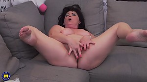 Chubby mature mom Rosalia fingering her..