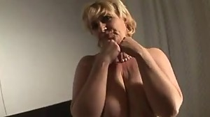 MATURE LADY LOVES VEGGIE IN PUSSY DURING..