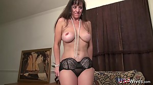 USAwives Horny Mature is Playing Naked..