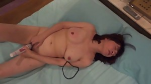 Amateur Asian Mature Wife toying pussy