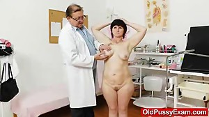 Matures puss examined by the Doc