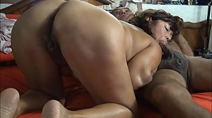 ASIAN WIFE NAUGHTY SUCK