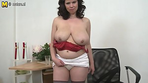 Huge breasted Mature MOM playing with..