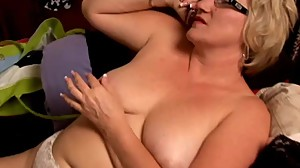Beautiful big belly mature BBW loves to..