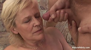 Old grandma takes a pussy pounding on..