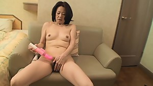 Amateur Japanese granny has first time..