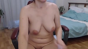 Natural Hairy Milf on webcam playing..