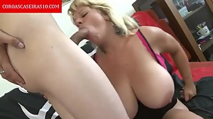 Busty crown releasing hot pussy -..