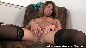 American milf Niki shares her fuckable..