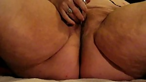 Mature BBW Whore Wanda Plays with Her Clit
