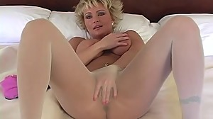 Mature Heather PantyhoseTease