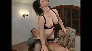 FRENCH BRUNETTE MATURE MILF - PUSSY AND..