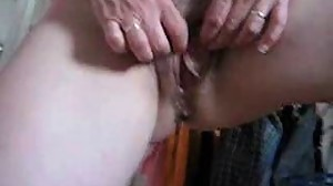 mature babe rubbing her hot pussy